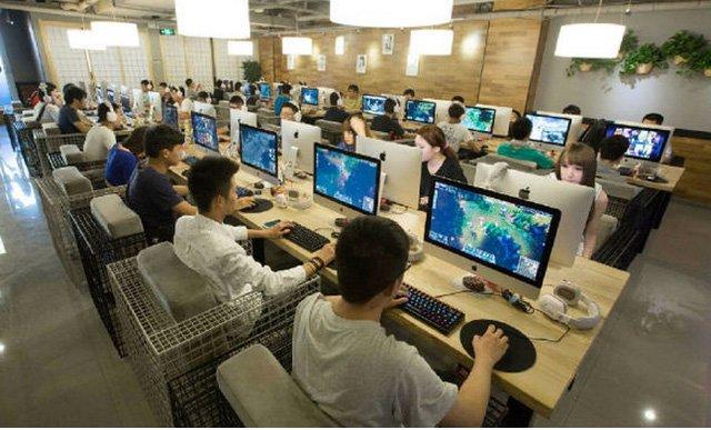 Đời sống giải trí của người Trung Quốc gần như chỉ giới hạn trong mạt chược, mạng internet và tivi. (Ảnh: Interrnet)