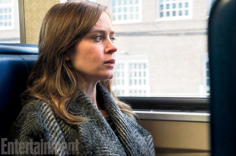 co gai tren tau chuyen the thanh phim 1 Emily Blunt sẽ là Cô gái trên tàu