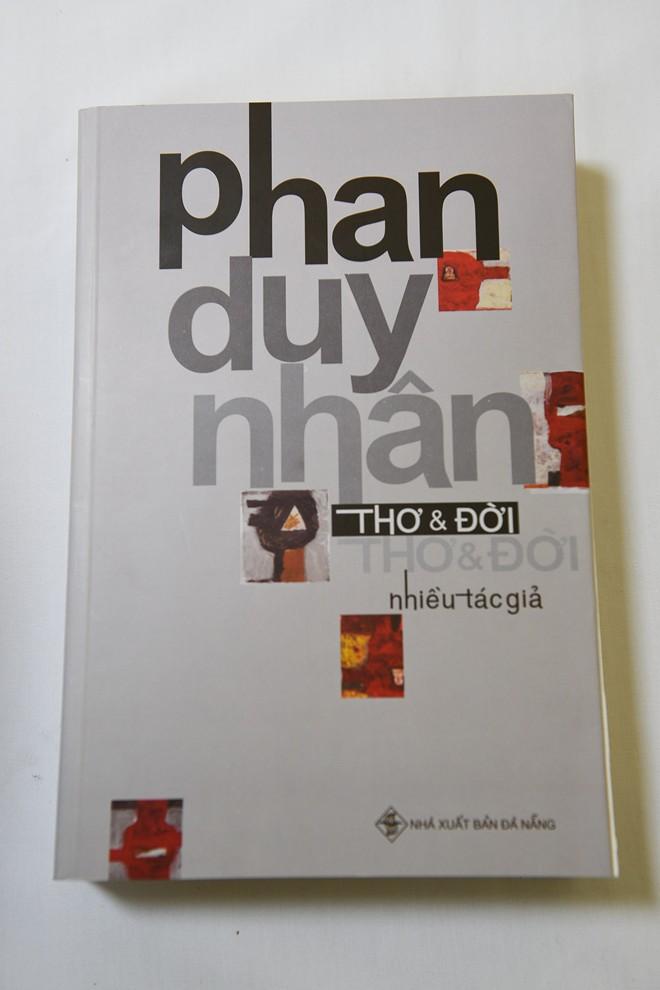 Tập thơ đầu tay của nhà thơ gắn liền với phong trào yêu nước học sinh, sinh viên miền Nam trước năm 1975.