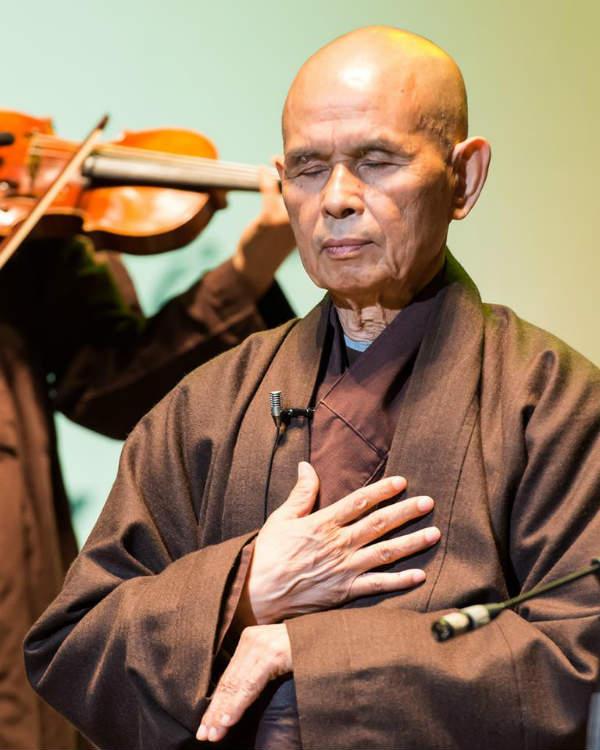 thien su thich nhat hanh 1 Thiền sư Thích Nhất Hạnh: Người khai phá hạnh phúc giữa đời