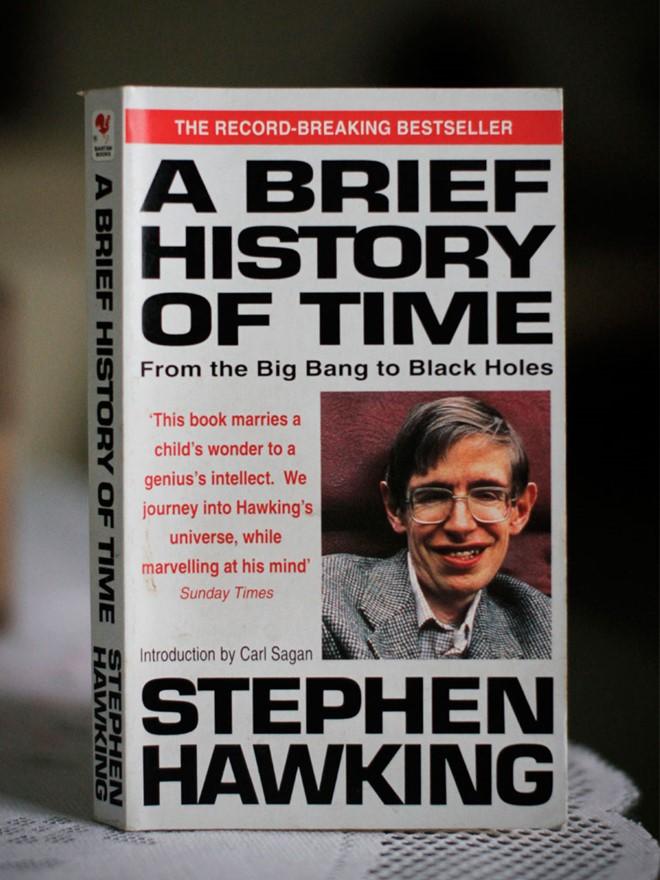 sach a brief history of time 5 cuốn sách ăn khách về vũ trụ bao la