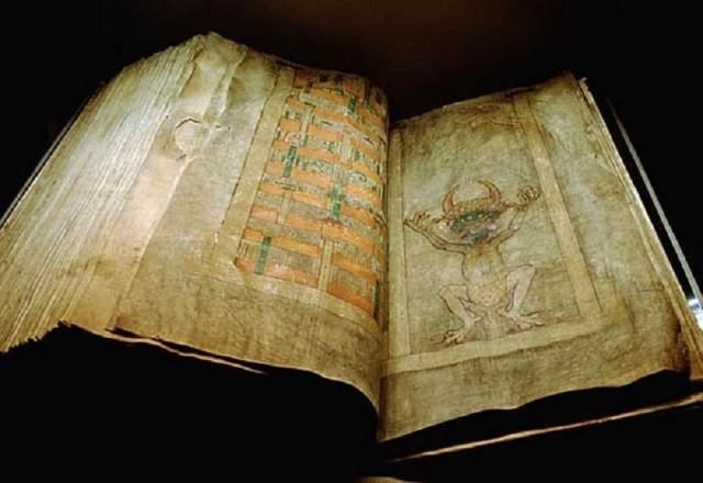 Codex Gigas là cuốn sách đồ sộ nhất thời Trung Cổ được tìm thấy