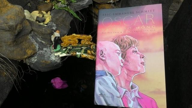 sach oscar va ba ao hong Oscar và bà áo hồng: Cuốn sách nhỏ chứa đựng sự kỳ diệu