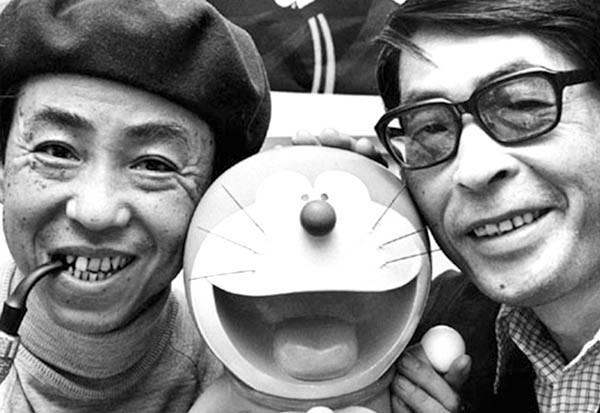 Fujiko F. Fujio (trái) và Abiko Motoo là đồng tác giả của bộ truyện tranh đình đám Doraemon.