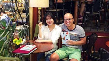 Đạo diễn Vũ Ngọc Đãng (trái) và tác giả Nguyễn Khắc Ngân Vi. Ảnh: FBNV.