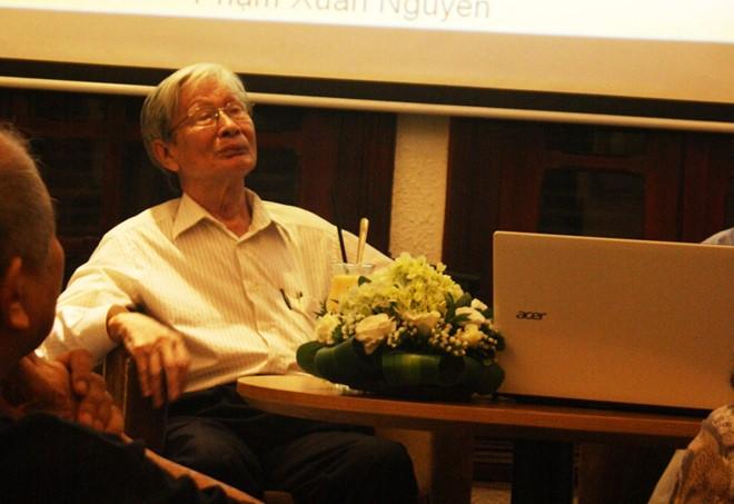 Nhà văn Nguyễn Xuân Khánh. Ảnh: Tần Tần.