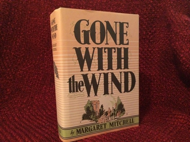 """""""Cuốn theo chiều gió"""" trở thành một trong những tác phẩm đáng chú ý nhất thế kỉ 20"""