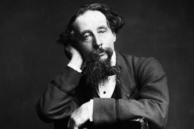 Charles Dickens lấy bút danh từ nhân vật yêu thích của ông