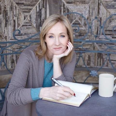 tac gia j k rowling 1 Nhà văn J. K. Rowling: Tự phù phép cuộc đời mình