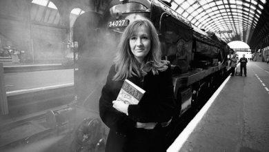 Photo of Nhà văn J. K. Rowling: Tự phù phép cuộc đời mình
