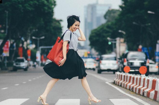 Trang Lê cho rằng vẻ đẹp của không đến từ quần áo đắt tiền, mà được tạo dựng bởi sự tự tin, kiến thức làm đẹp.