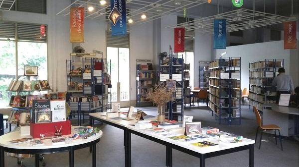 Không gian đọc mượn đọc sách đẹp của thư viện Idecaf