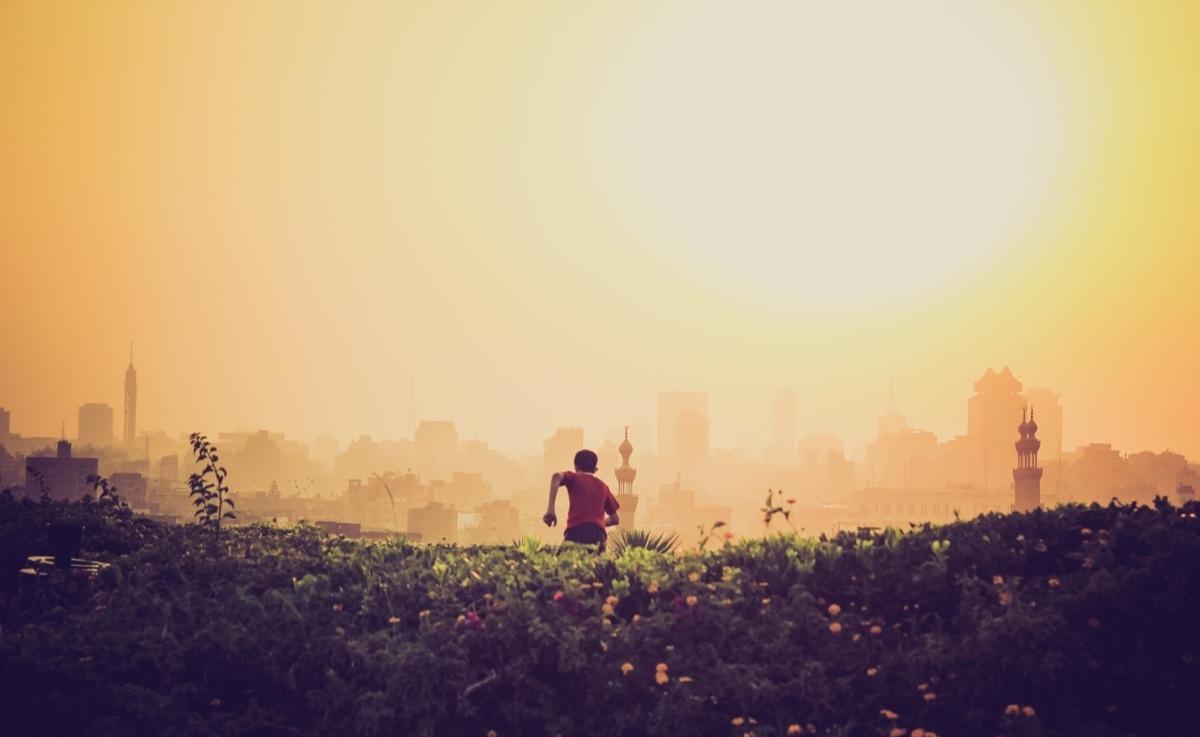 Cuối cùng, tận hưởng cuộc sống nhé. Từng phút giây nhỏ trong cuộc đời này.