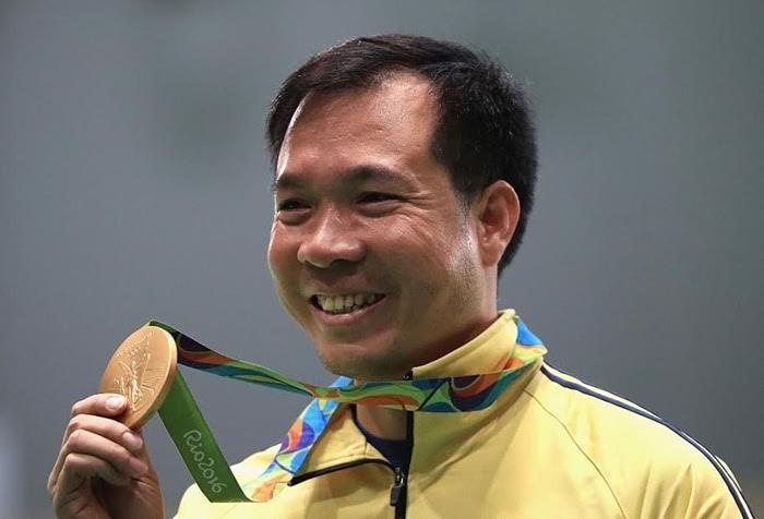 nhan vat hoang xuan vinh 2 Hoàng Xuân Vinh: Từ cậu bé mồ côi đến nhà vô địch Olympic