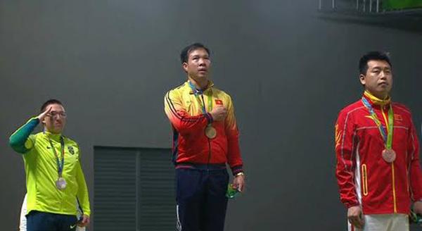 nhan vat hoang xuan vinh Hoàng Xuân Vinh: Từ cậu bé mồ côi đến nhà vô địch Olympic