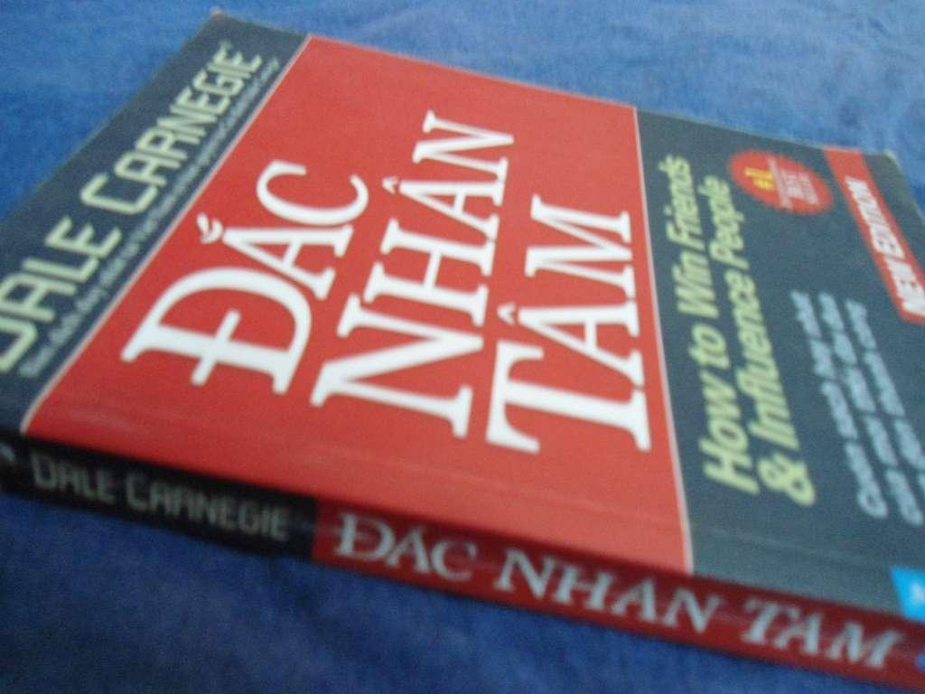 sach dac nhan tam cover 9 quyển sách nền tảng theo suốt cuộc đời bạn