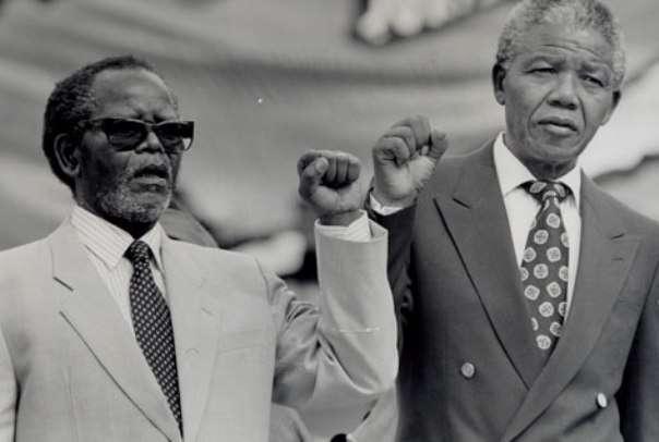 nhan vat nelson mandela 1 Nelson Mandela: Cuộc đời và những dấu ấn thời đại