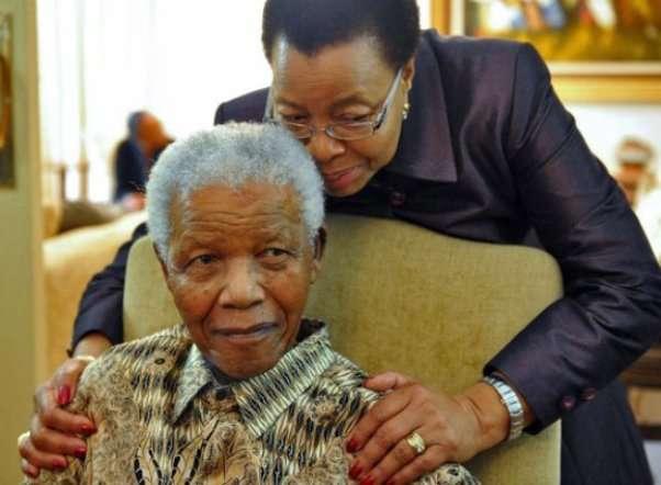 nhan vat nelson mandela Nelson Mandela: Cuộc đời và những dấu ấn thời đại