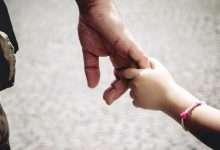 """Photo of Bức thư ông bố gửi con gái và bài học cuộc đời """"Không ai nợ con điều gì cả"""""""