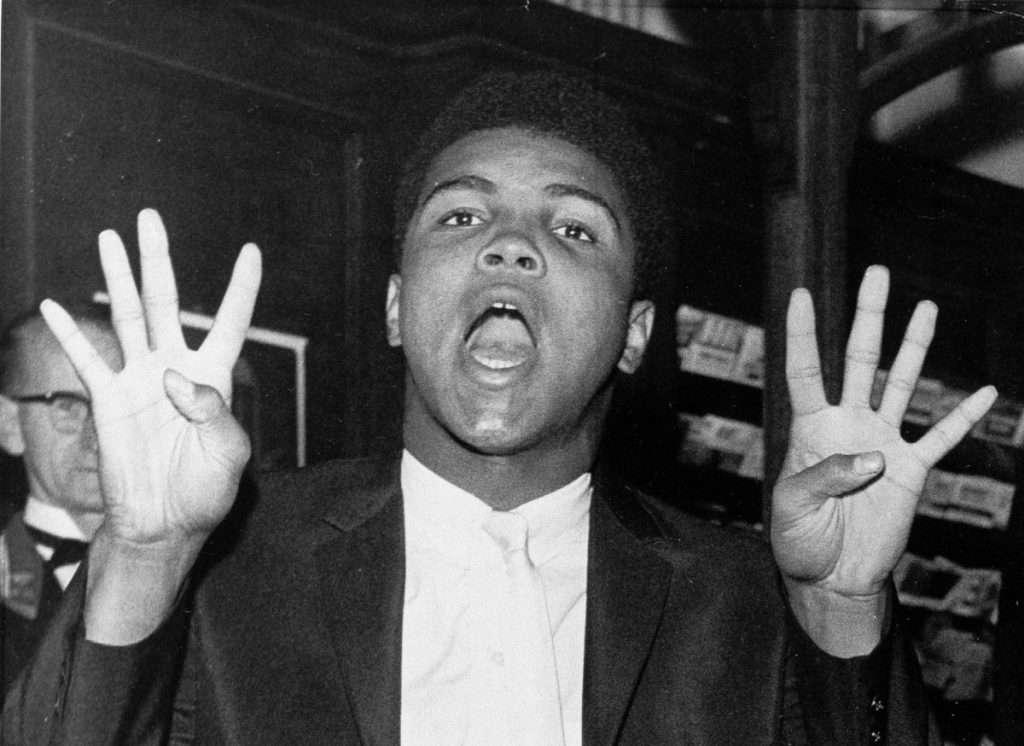 nhan vat muhammad ali 3 1024x746 11 câu nói truyền cảm hứng của tay đấm huyền thoại Muhammad Ali