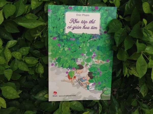 """sach khu tap the co gian hoa tim Về lại tuổi thơ Hà Nội thời bao cấp với """"Khu tập thể có giàn hoa tím"""""""