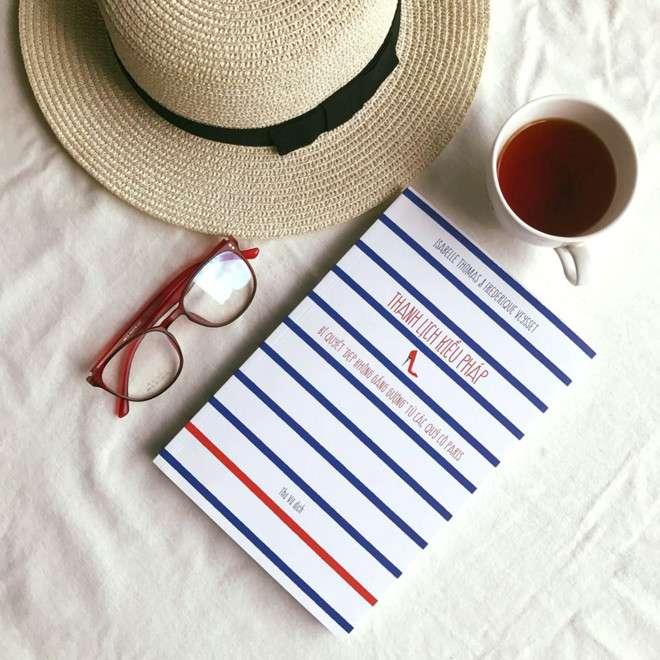 sach thanh lich kieu phap ebook Thanh lịch kiểu Pháp: Bí mật phía sau phong cách sống của những quý cô Paris