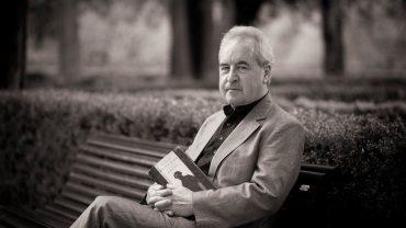 nha van john banville 370x208 - Bí ẩn văn chương John Banville