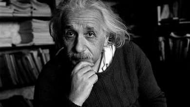 Photo of Albert Einstein đánh đổi hạnh phúc để trở thành thiên tài thế giới!
