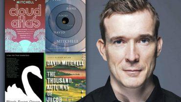 tac gia david mitchell 370x208 - Một hành trình văn học tàn nhẫn và tỉnh táo của David Mitchell