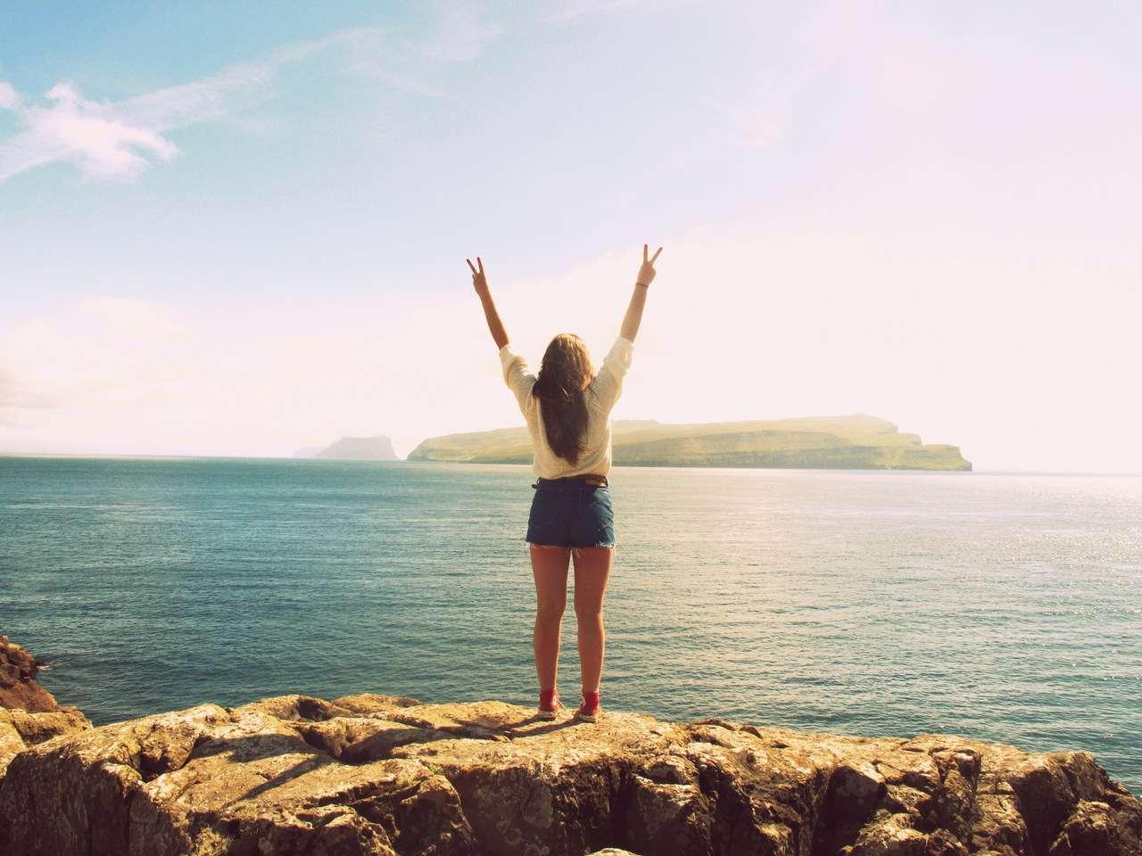 """doc than 4 7 lợi ích của """"độc thân"""": Cơ hội tốt để hoàn thiện bản thân bạn"""