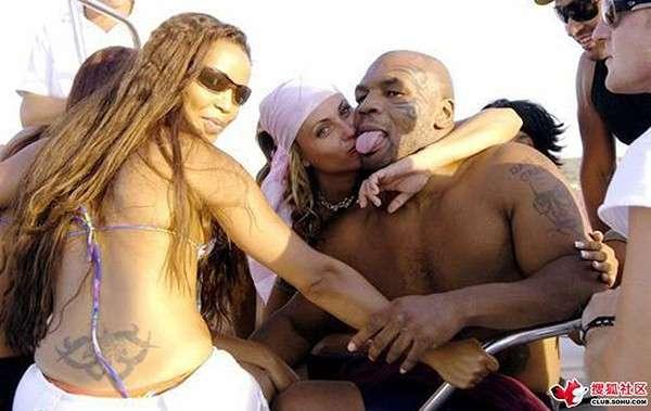 nhan vat mike tyson 20 Cuộc đời của võ sĩ thép Mike Tyson