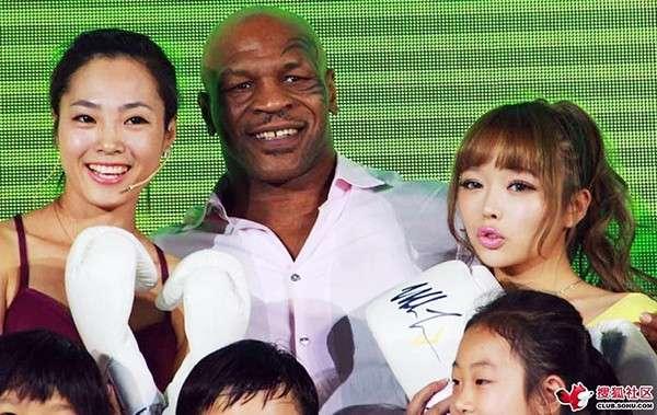 nhan vat mike tyson 23 Cuộc đời của võ sĩ thép Mike Tyson