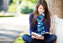 Photo of 18 lý do bạn nên yêu một cô nàng thích đọc sách