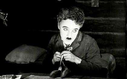 nhan vat sac lo 1 Biểu tượng của nụ cười Charles Chaplin: Khó khăn đến mấy cứ hãy mỉm cười