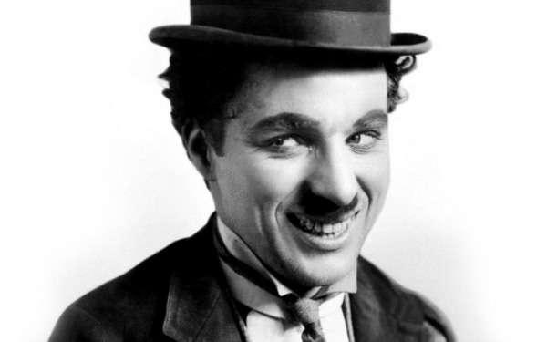 nhan vat sac lo Biểu tượng của nụ cười Charles Chaplin: Khó khăn đến mấy cứ hãy mỉm cười