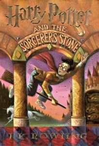 sach harry potter va hon da phu thuy 204x300 18 quyển sách huyền bí giả tưởng hay tạo nguồn cảm hứng bất tận