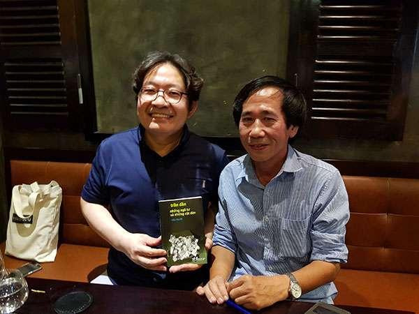 sach tran dan nhung nga tu va nhung cot den 3 Những ngã tư và những cột đèn: Hiện tượng văn học Việt Nam vươn ra thế giới