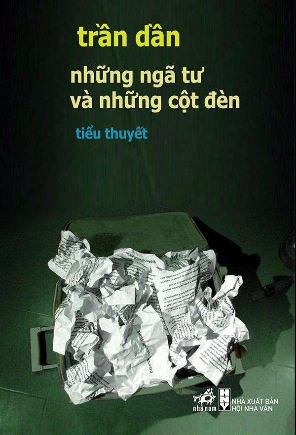 sach tran dan nhung nga tu va nhung cot den Những ngã tư và những cột đèn: Hiện tượng văn học Việt Nam vươn ra thế giới