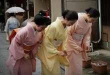 """Photo of """"Không làm phiền người khác"""": Cốt lõi của văn hóa và tính cách đáng khâm phục Nhật Bản"""