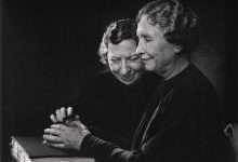 Photo of 21 câu danh ngôn từ Helen Keller