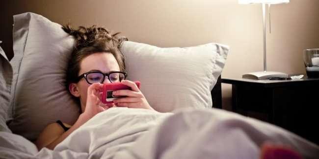 emotion jh01 5 dấu hiệu cho thấy bạn nên tạm ngưng sử dụng mạng xã hội