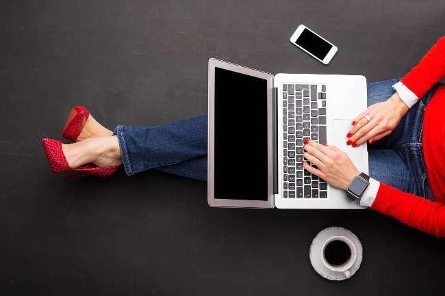emotion jh03 5 dấu hiệu cho thấy bạn nên tạm ngưng sử dụng mạng xã hội