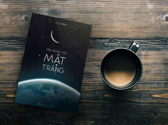sach tien phong len mat trang 5 cuốn sách khoa học viễn tưởng giúp khám phá vũ trụ rộng lớn