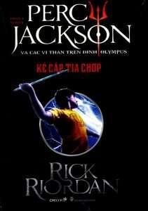 sach percy jackson 211x300 18 quyển sách huyền bí giả tưởng hay tạo nguồn cảm hứng bất tận