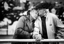 Photo of Yêu thương, liệu có giản đơn?