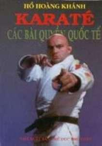 sach karate cac bai quyen quoc te 211x300 6 cuốn sách hay về Karate giúp bạn rèn luyện ý chí cũng như tinh thần